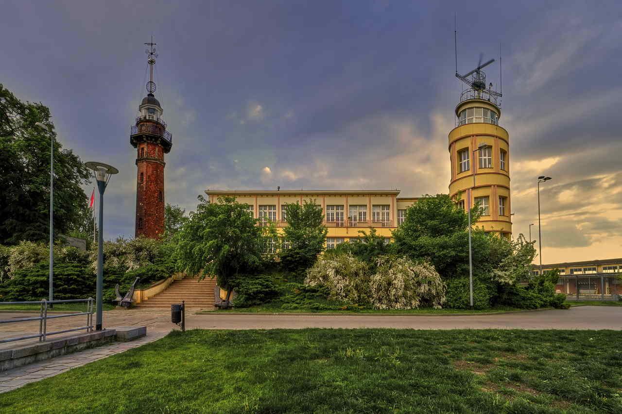 zabytkowa latarnia morska w Nowym Porcie Gdańsk