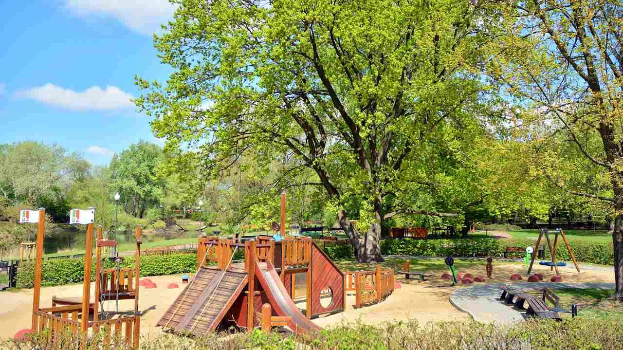 plac zabaw park olszyna