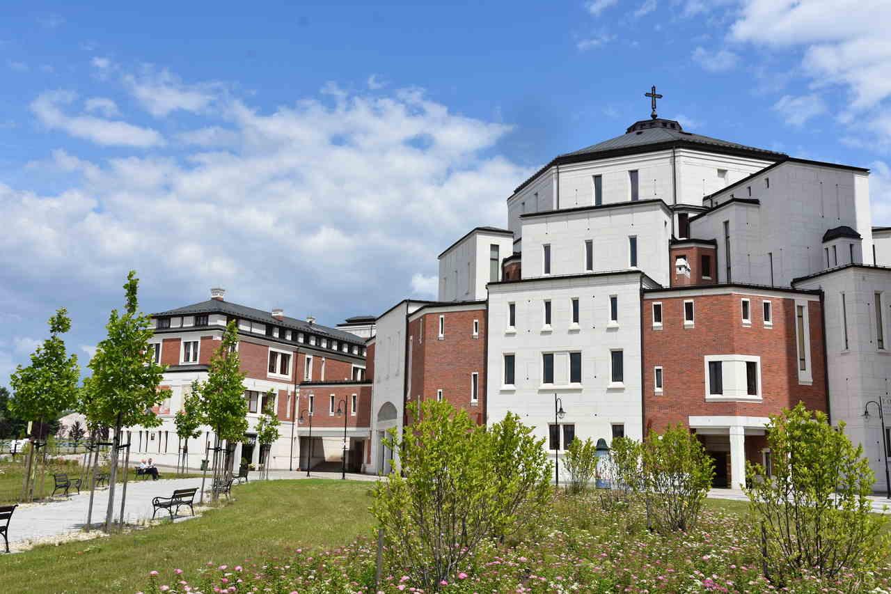 Sanktuarium Jana Pawła II i Centrum Pielgrzymkowe w Krakowie Łagiewnikach