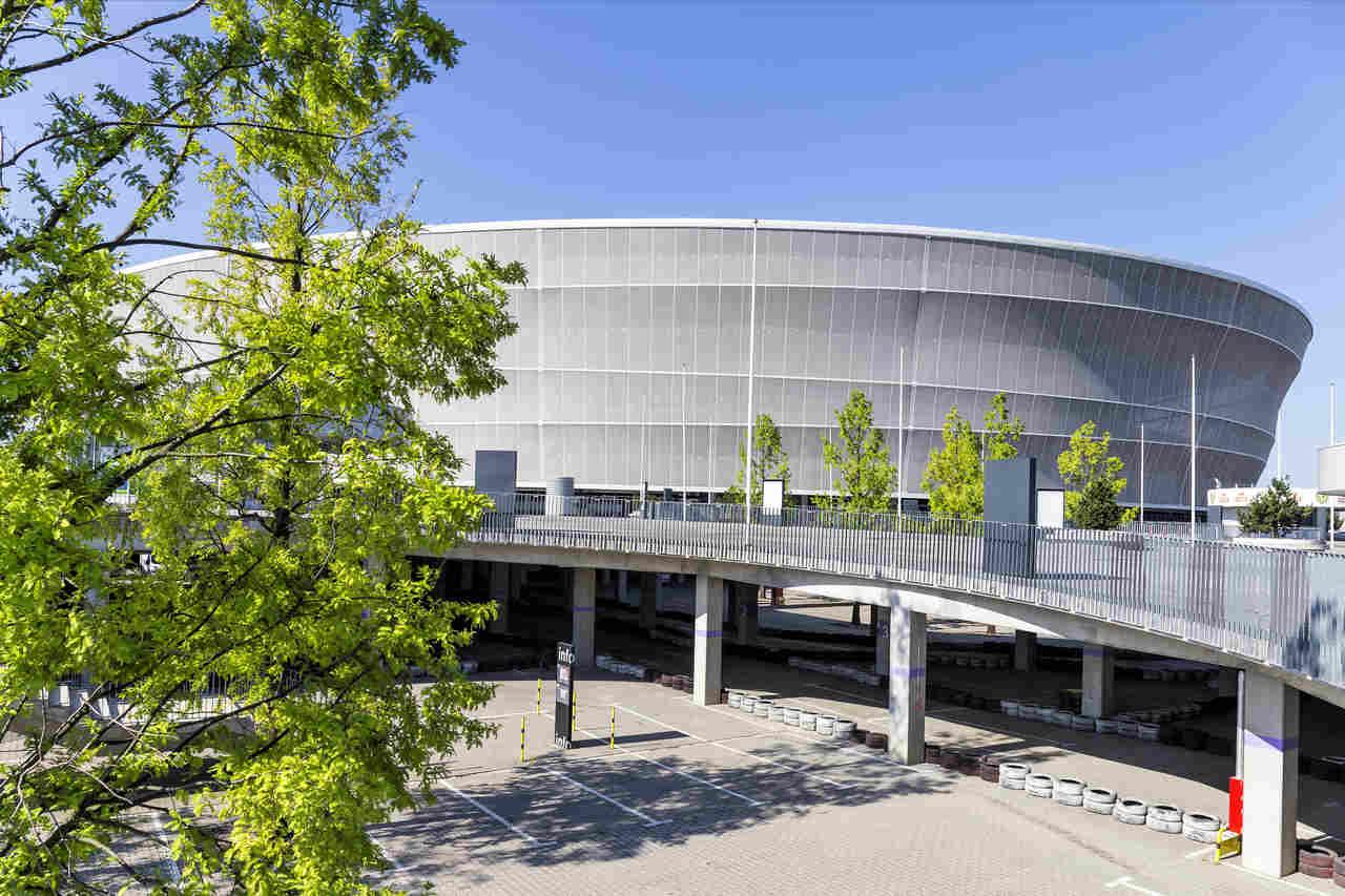 stadion wroclaw fabryczna